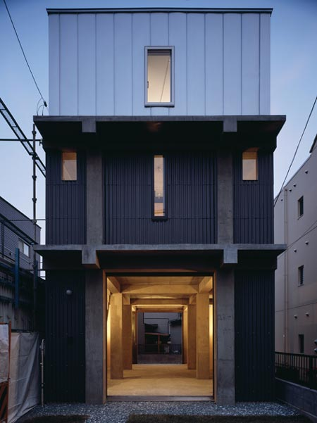 Column-and-slab-house-by-ft-architects-01out